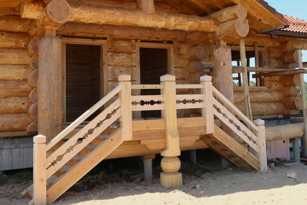 Усадка сруба. Как избежать проблем при строительстве деревянного дома.